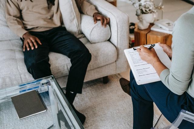 אתר מכון חיבורים מציג: הטיפולים הפסיכולוגים המובילים בתחום הטיפול בחרדה