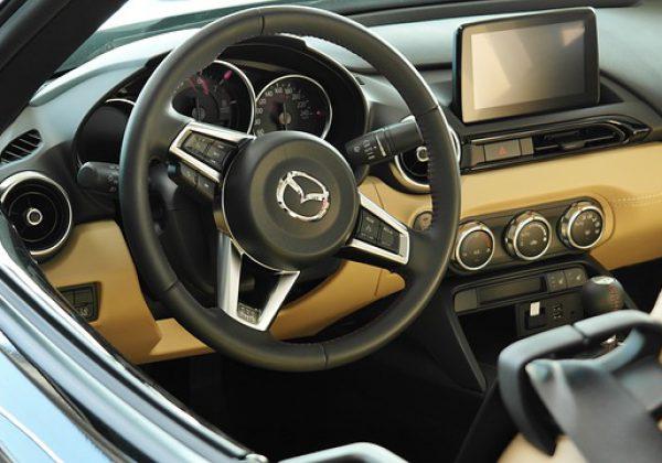 טכנולוגיה בעולם הרכב: אז ועד היום